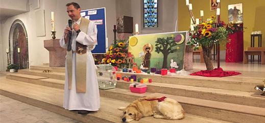 Patronatsgottesdienst mit Hamster, Hund und Vogel