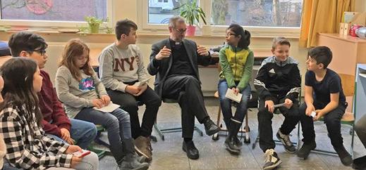 """""""Sich von Gutem trennen zu müssen, ist ganz bitter"""" –  Erzbischof Stefan Heße im Gespräch mit Altonaer Schülern"""