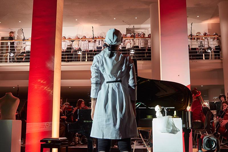 """Umjubelte Opernproduktion. 300 Schülern und Profis begeistern mit """"Alles Mozart"""""""