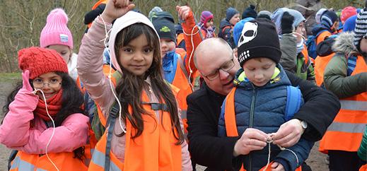 Harburg: Kreuzweg mit 700 Schülern