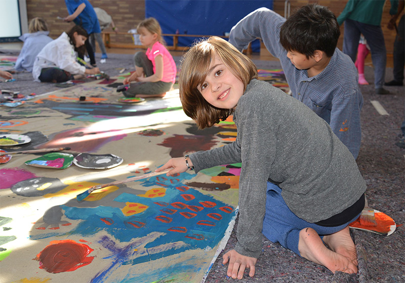 """""""Farb-Explosion"""" an der Katharina-von-Siena-Schule"""