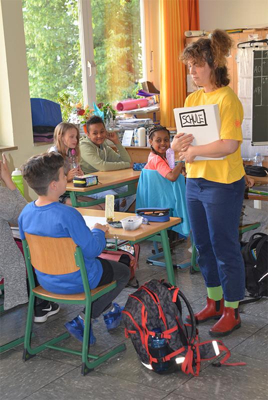 Fünftklässler erleben Theater im Klassenzimmer - Foto 2