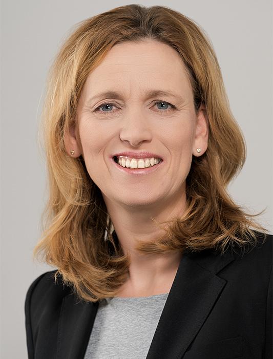 Bildungsministerin Karin Prien im Schüler-Gespräch