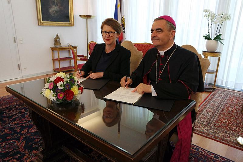 Blick über Hamburg hinaus: Uni Rostock bekommt Professur für katholische Theologie