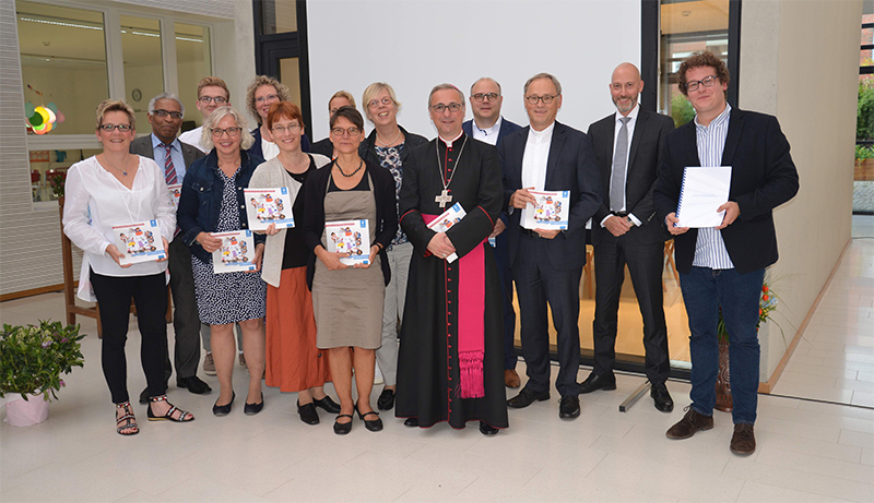 Erzbischof setzt Schulisches Rahmenleitbild in Kraft