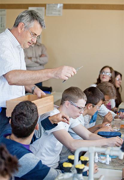 """Gesellschaft Deutscher Chemiker zeichnet """"Lab in a drop""""-Projekt der Katholischen Schule Harburg aus"""