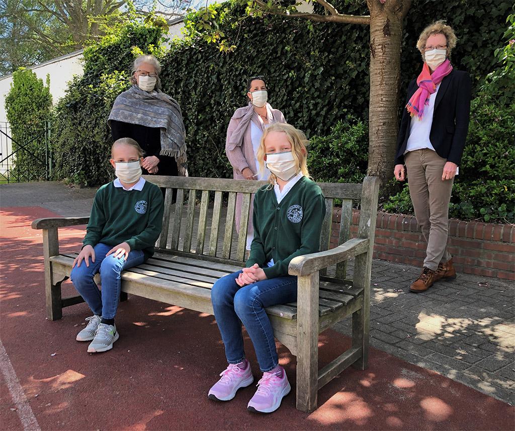 """""""Sitzen ganz gut"""" - Selbstgenähte Masken für Blankeneser Grundschüler"""