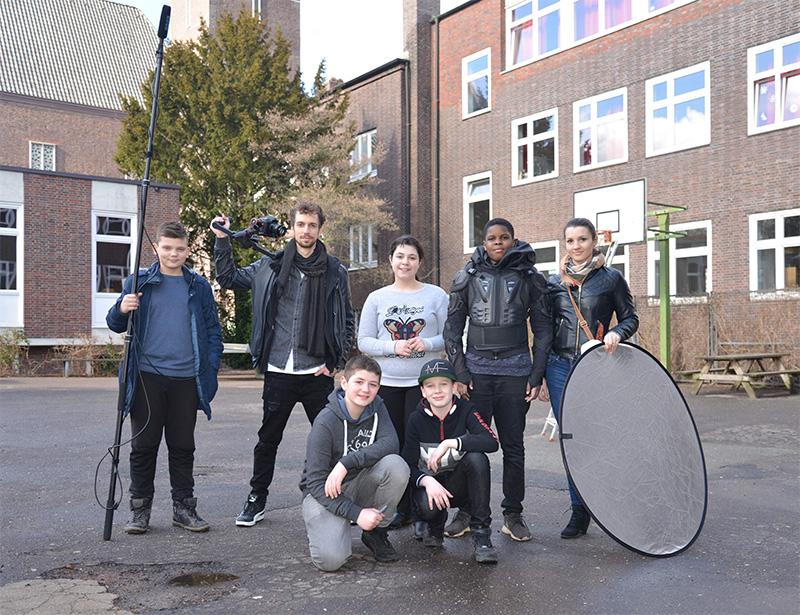 "Schülerfilm-Premiere ""K.I. - Die intelligente Schule"""